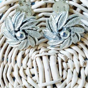 Silverstone Clip earrings